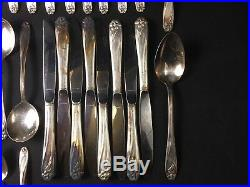 Vintage 1847 ROGERS BROS Silverplate DAFFODIL SERVICE FOR 8 SILVERWARE