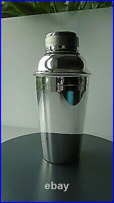 Vintage 1930s SILVER PLATED COCKTAIL SHAKER with Engine Turned Lid