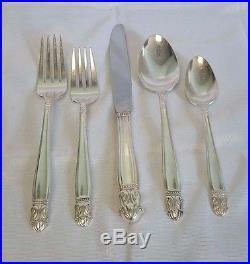 Vintage 1938 Holmes & Edwards 72 Pc DANISH PRINCESS Silver Plate Flatware Set