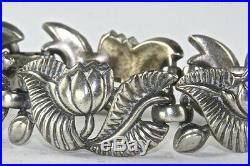 Vintage Trifari Silver Plated Lotus Flower Bracelet