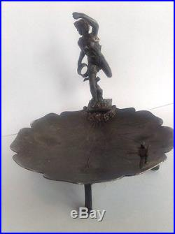 Vintage Victorian MERIDEN Quadruple Silverplate Footed Figural Compote Dish